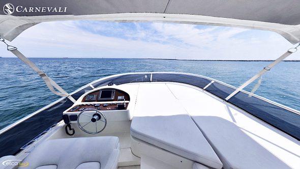 il fly dello yacht